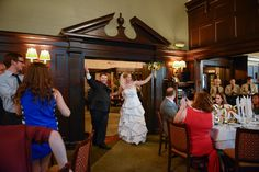 Weddings at the University Club of Portland. Photo by Hoddick Photography.