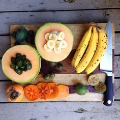 """""""Brrakfast was this delicious fruit spread. I got the fruit from my new favorite grocery store. It's a Russian/Ukrainian shop, and the deals are amazing. Raw Vegan Recipes, Healthy Recipes, Vegan Food, Food Is Fuel, Delicious Fruit, Vegan Dishes, Food Photo, Whole Food Recipes, Healthy Snacks"""