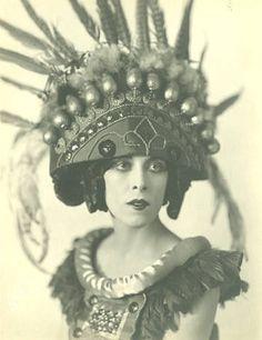 Martha Graham :: Perry Ballet Photographs :: Digital Collections :: University at Buffalo Libraries