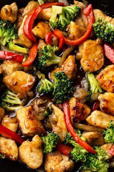 Chicken Thigh Stir Fry, Chicken Vegetable Stir Fry, Chicken And Vegetables, Vegetable Recipes, Chicken Wok Recipes, Easy Chicken Stir Fry, Chicken Stir Fry With Noodles, Recipe With Chicken And Shrimp, Stir Fried Vegetables Recipe