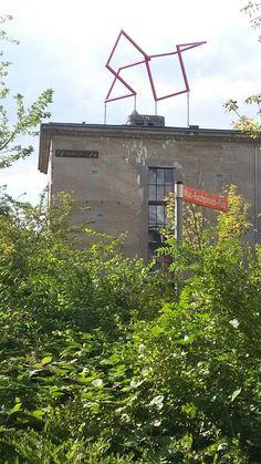 Kubus Balance auf dem Dach des Bunker -D