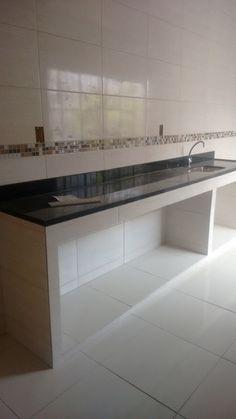 - Home Theater Kitchen Room Design, Modern Kitchen Design, Home Decor Kitchen, Interior Design Kitchen, Black Kitchen Countertops, Concrete Kitchen, House Front Design, Indian Home Decor, Cuisines Design