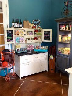 -repinned- Sniffs 'N Wiggles Pet Wellness Boutique- Bakery, Grain free, organic, USA made dog treats