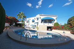 Detached villa for sale in Benissa Costa. This spacious family home is located within a quiet cul-de-sac, enjoying fine views across the valley to the sea.