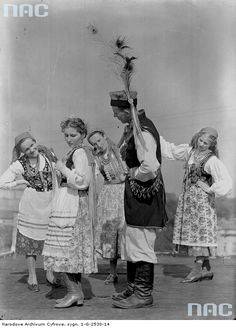 224826 10150165130999032 308958934031 6649395 3359890 n Folk Costume, Costumes, Polish People, Polish Folk Art, My Heritage, Krakow, People Around The World, Folklore, Poland
