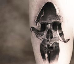 Skull tattoo art by Niki Norberg