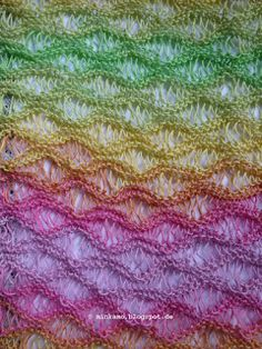 gestrickter Sommerschal ~ knitted summer shawl      Garn und Anleitung von Ideenreich Bielefeld