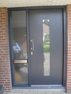 Voordeuren Kunststof Kozijnen - Voor uw garagedeuren, kunststof kozijnen of zonweringen in regio Peel & Maas, Horst en Leudal staat Math Peeters klaar!