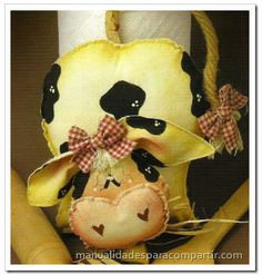 Manualidades para compartir: cow decoration NOT in English, but pattern has great photos