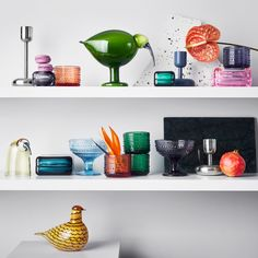 Buy Vitriini Box from iittala. Vitriini boxes are the perfect way to display precious mementos. Tea Lights, Candle Holders, Eames House, Glass Birds, Danish Design Store, Eames House Bird, Mouth Blown Glass, Modern Forms, Hollow Design