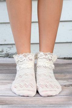 Ivory Lace Ankle Socks