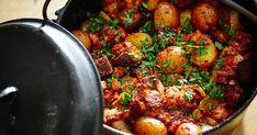 Essayez cette recette de casserole espagnole qui saura plaire à toute la famille et elle est idéale à congeler pour des repas de semaine faciles et rapides. Snack Recipes, Snacks, One Pot, Paella, Vegetable Recipes, Summer Time, Meal Prep, Good Food, Easy Meals