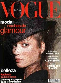 Cover with Christy Turlington December 1992 of ES based magazine Vogue Spain from Condé Nast Publications including details. Vogue Magazine Covers, Fashion Magazine Cover, Fashion Cover, Geena Davis, Christy Turlington, Top Models, Vanity Fair, Vogue Models, Vogue Spain
