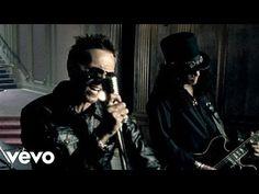 Velvet Revolver - Fall To Pieces - YouTube