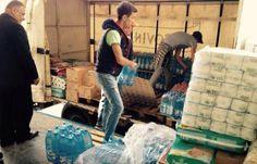 AJUTOARE. Sirienii din Timișoara au strâns Coca-Cola pentru conaționalii lor refugiați I VIDEO