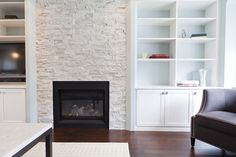 built-in with contrasting paint color on back wall Contemporary Mantel Design, Pictures, Remodel, Decor and Ideas - page 100 Fireplace Surround Diy, Fireplace Surrounds, Fireplace Ideas, Fireplace Bookcase, Elegant Living Room, Built In Cabinets, Living Room Remodel, Wall Cladding, Beautiful Space