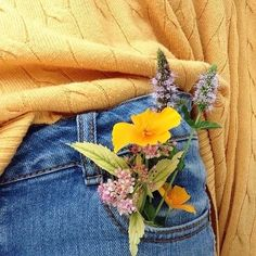 in need of a cute yellow sweater collection and some high waisted jeans - Gelb Tumblr Feed, No Rain, Yellow Sweater, Yellow Jeans, Mustard Sweater, Happy Colors, Mellow Yellow, Mustard Yellow, Favorite Color