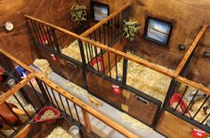 24 Horse Stables Design for Safety and Comfort - meowlogy Toy Horse Stable, Schleich Horses Stable, Horse Stables, Horse Barns, Clydesdale Horses, Race Horses, Horse Barn Designs, Horse Barn Plans, Bryer Horses