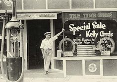 Gas station in Hood River circa 1930. (Hood River County Museum)