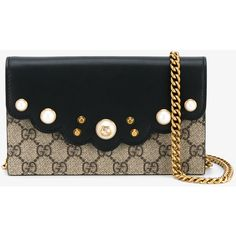 GUCCI GG Supreme Continental Chain Wallet (3.415 RON) ❤ liked on Polyvore featuring bags, wallets, leather shoulder bag, gucci, leather shoulder handbags, colorful leather wallets and leather chain wallet