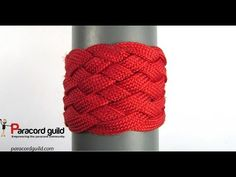 In this tutorial we take a look at how to enlarge wide turk's head knots. Basically, the technique is the same as the one used for enlarging square turk's he...