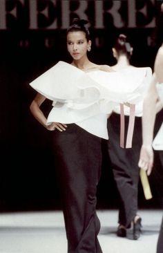 Fondazione Gianfranco Ferré / Collezioni / Donna / Alta Moda / 1987 / Primavera / Estate / model Dalma Callado