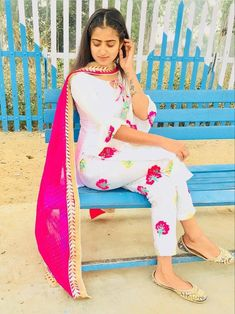 Cute Girls, Khloe Kardashian Photos, Punjabi Suits Designer Boutique, Patiala Suit Designs, Indian Girl Bikini, Punjabi Fashion, Indian Girls Images, White Fashion