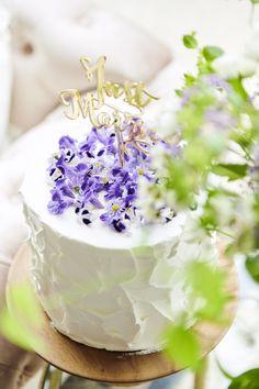Vanilla Cake, Wedding Cakes, Table Decorations, Desserts, Food, Birthday, Wedding Gown Cakes, Tailgate Desserts, Deserts