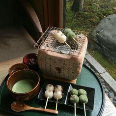 𝐆𝐈𝐕𝐄 𝐂𝐑𝐄𝐃𝐈𝐓𝐒 𝐓𝐎' 𝑱𝒆𝒏𝒊𝒓𝒐𝒔𝒊 ◞꜀🗞️꜆🖇️𝐴𝐸𝑆𝑇𝐻𝐸𝑇𝐼𝐶ヾ˸︿哦love𓅦 Japanese Sweets, Japanese Food, Baby Food Recipes, Dessert Recipes, Desserts, Kawaii Cooking, Good Food, Yummy Food, Cafe Food