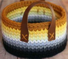 Pixel Crochet, Crochet Motifs, Crochet Stitches, Knit Crochet, Crochet Patterns, Home Decor Hooks, Crochet Basket Pattern, Modern Crochet, Yarn Bowl