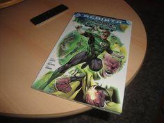 Mit Band 1 der Green Lanterns Rebirth Reihe hatte ich schon das starke Verlangen die Serie Hal Jordan und das Green Lantern Corp zu lesen. Dass es jetzt so lange gedauert hat, ist dann doch etwas überraschend, aber wie schlägt sich den gute Hal?  #Bericht #Bewertung #Comic #Comicbook #Comicbuch #Comics #DC #Green #GreenLantern #GreenLanternCorp #Hal #HalJordan #Lantern #Lesen #Meinung #Panini #PaniniComics #Review #Sinestro