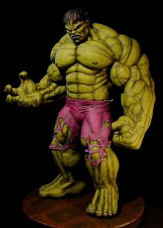 Statue of famous Dale Keown hulk drawing