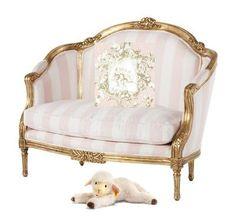 Breastfeeding chair <3 #dreamnursery @cuckoolandcom #Baby #Nursery #Cute #Sweet #NurseryIdeas