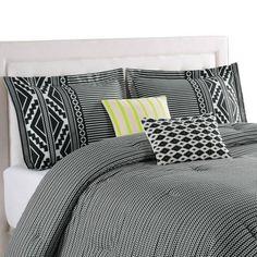 Blink Tallulah Reversible Comforter Set in Black | @giftryapp