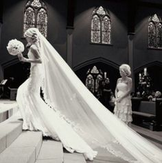 Is it too over the top that I kind of want a veil like this. Like. A Lot!