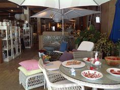 Interior de nuestra tienda en Guadalmina