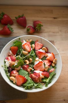 Spinach Strawberry Salad by garlicmysoul #Salad #Spinach #Strawberry