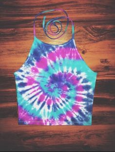 Custom tie dye halter top. Love this pattern!