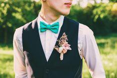 結婚式の服装に個性を出したい新郎必見!つけるだけでおしゃれに見せる蝶ネクタイ9選