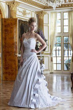 Bowbelles Wedding Dress – Ian Stuart Revolution Rocks 2011 Bridal Collection