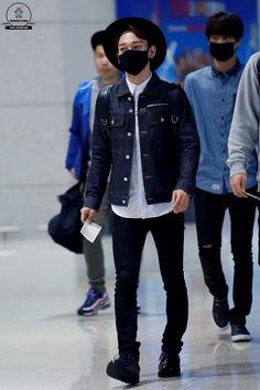 141026- EXO Chen (Kim Jongdae) ft. Kai; Beijing Airport to Incheon Airport #exom