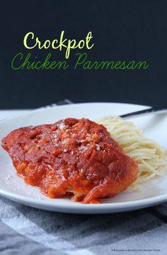 Crockpot Chicken Parmesan Recipe / myfindsonline.com