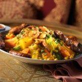 [MAROCAINE]   L'originalité et la richesse de la cuisine marocaine tiennent à la multitude d'influences qu'elle a subies : la cuisine arabe, la cuisine berbère pour le couscous en particulier, la cuisine morisque pour les ragoûts et tajines et le mélange sucré-salé. On peut également noter une influence des cuisines turque, africaine, juive et des cultures culinaires venant d'Asie du sud (Inde…). Toutes ces influences ont en fait une cuisine riche et variée...