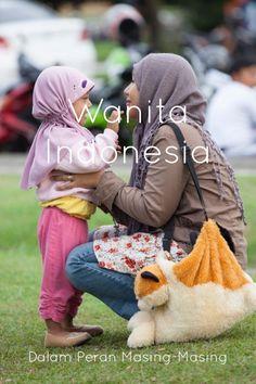 Wanita Indonesia. Dalam perannya masing-masing. #indonesia #stellerid #perempuan #kartini