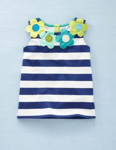 Fab Flower Top. Could do this with any top!