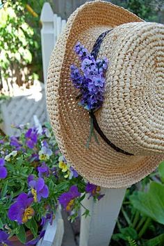 My Painted Garden: Painting Pansies and a Vintge Cloche Lavender Cottage, Lavender Garden, Purple Garden, Enchanted Garden, My Secret Garden, Shades Of Purple, Pansies, Belle Photo, Spring Time