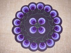 "Flower Wreath Penny Rug Tablemat Pattern 14"" Dia Wool Felt Embroidery | eBay"