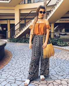 Bohemian palazzo pants-pants trend for spring and summer 2018 – just trendy girls Hijab Fashion, Fashion Outfits, Fashion Pants, Fashion Trends, Night Outfits, Summer Outfits, Going Out Outfits, Mode Hijab, Palazzo Pants
