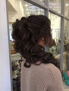 Featured Hairstyle: Elstile; www.elstile.ru; Wedding hairstyles ideas.