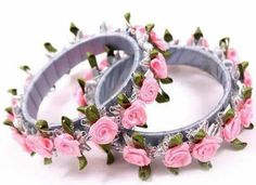 Flower Bangle Set for Wedding Functions - Floral Jewelry Store Silk Thread Bangles Design, Silk Bangles, Thread Jewellery, Jewellery Designs, Flower Jewellery For Mehndi, Flower Jewelry, Bangle Set, Jewelry Patterns, Handmade Jewelry